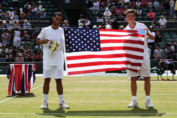 Kozlov and good friend Noah Rubin pose with the American flag after the Wimbledon junior final. (PHOTO CREDIT: Jan Kruger/Getty Images)