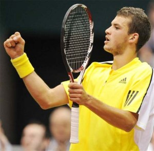 Dimitrov in Rotterdam  2009 with Head Racket